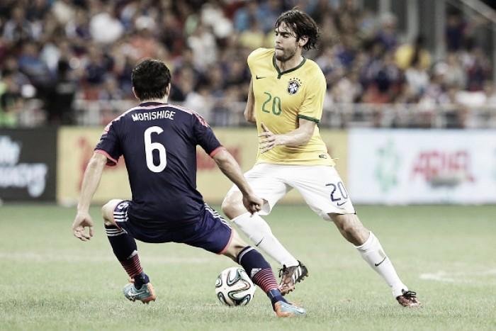 Dunga convoca Kaká para vaga de Douglas Costa na Seleção Brasileira