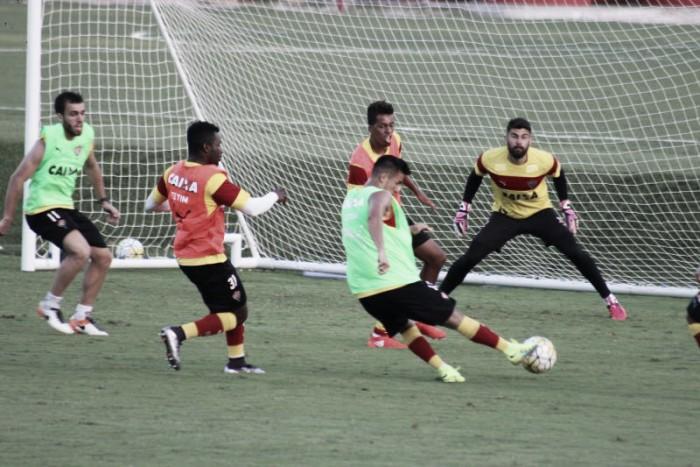 Vitória conta com retorno de Kieza e treina finalizações visando Coritiba