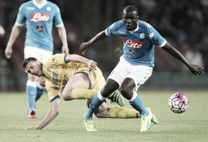 Especulado no Chelsea, zagueiro Koulibaly pede renovação de contrato com Napoli