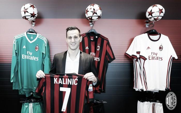 Milan oficializa chegada de atacante da Fiorentina
