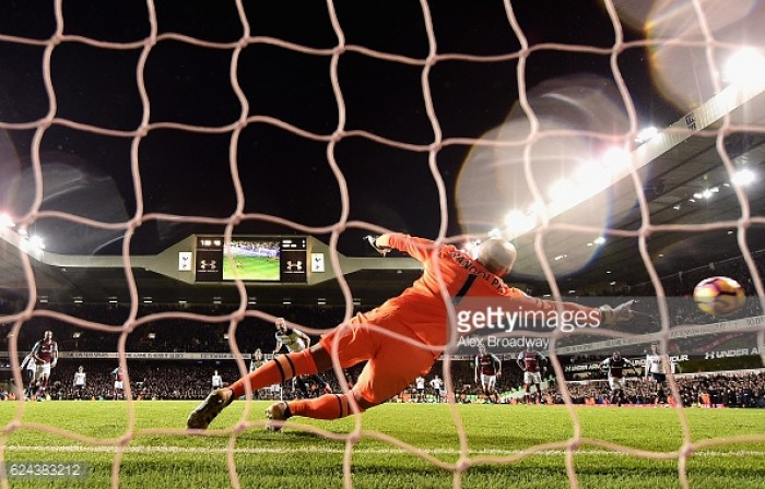 Tottenham Hotspur 3-2 West Ham United: Late Kane brace gives Spurs first win in eight
