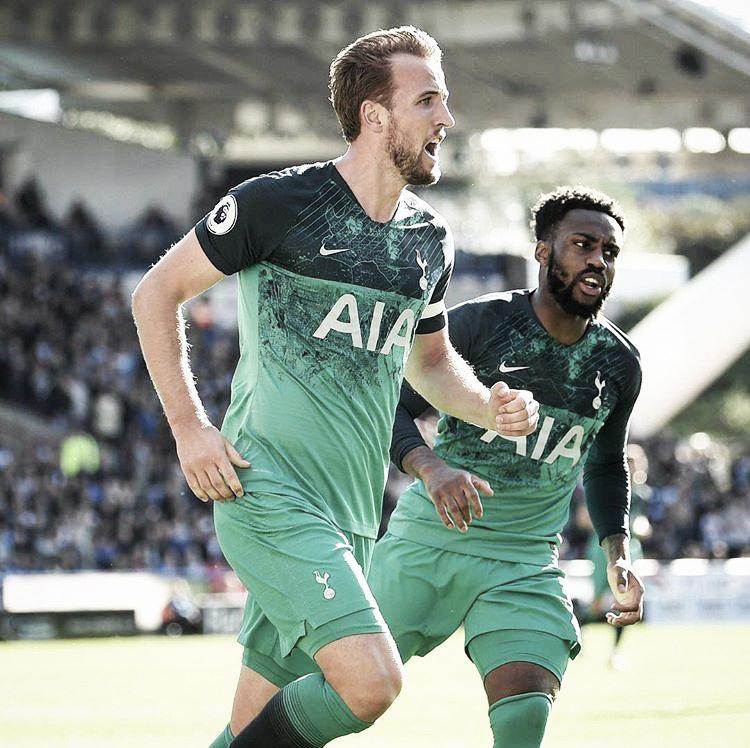 Seguro, Tottenham vence Huddersfield e sobe para quarta colocação da Premier League