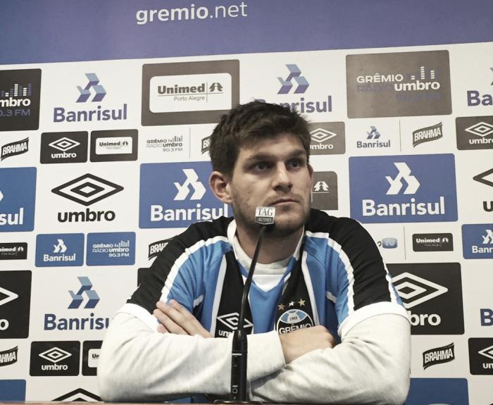 """Argentino Kannemann comemora chance no Grêmio: """"Qualquer um gostaria de jogar aqui"""""""
