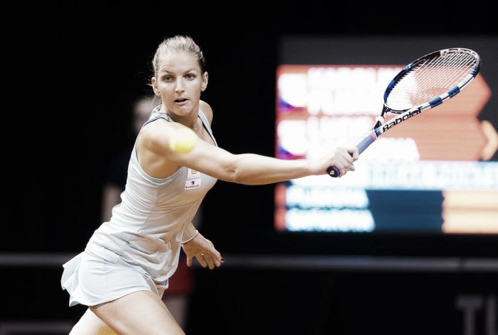 WTA Stuttgart: Karolina Pliskova overcomes battling Lucie Safarova in three sets