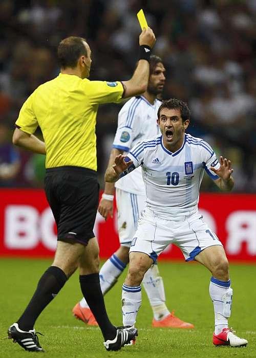 Karagounis espera una rectificación de la UEFA para poder jugar ante Alemania