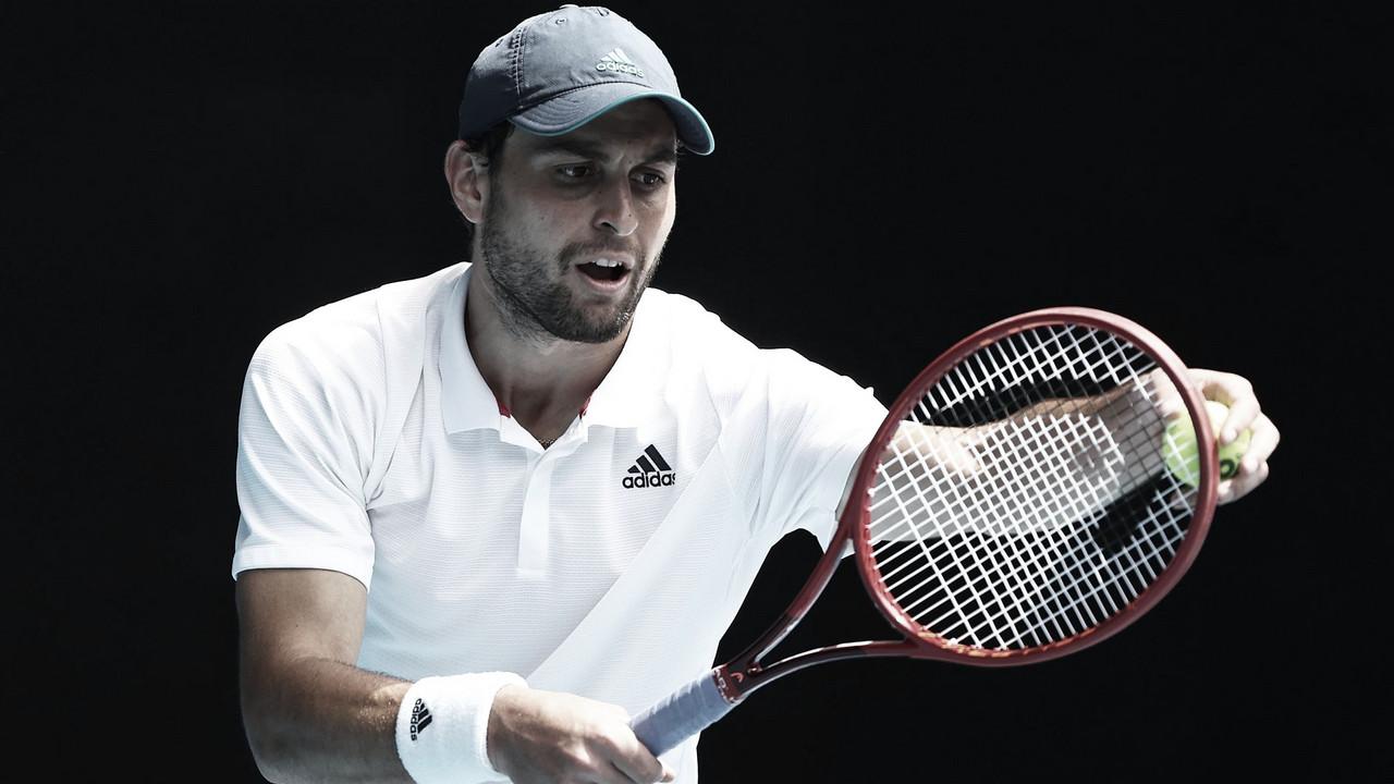 Karatsev surpreende, vira para cima de Aliassime e vai às quartas do Australian Open