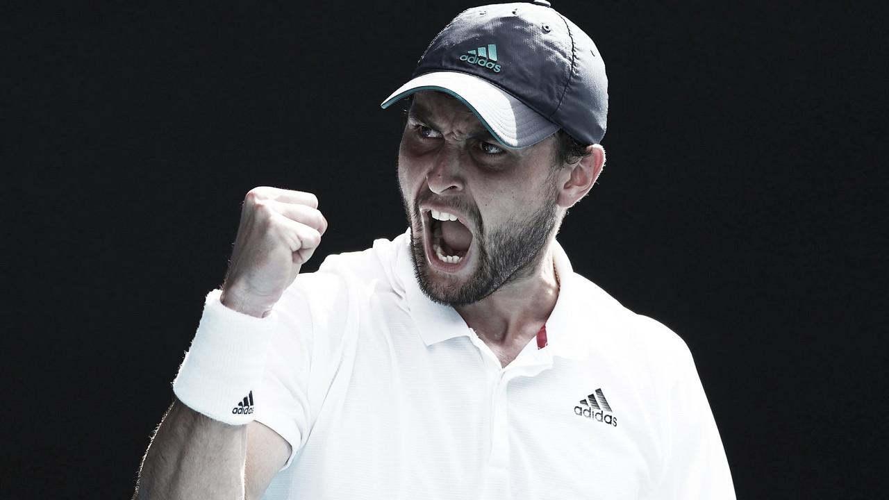 Karatsev faz história, vira para cima de Dimitrov e vai às semis do Australian Open
