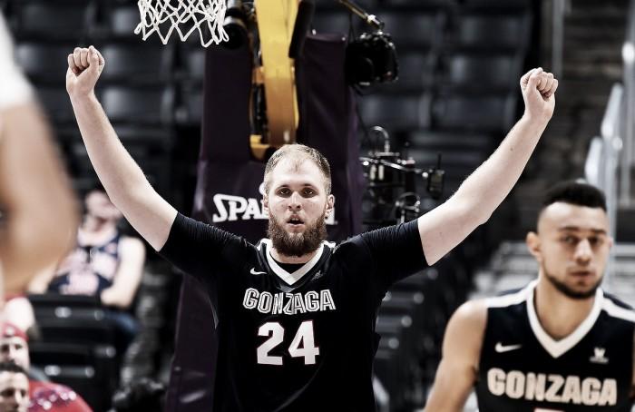 #8 Gonzaga Bulldogs fight off late #16 Arizona Wildcats comeback to win 69-62
