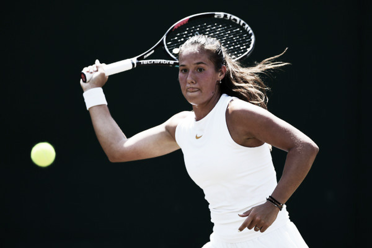 Wimbledon: Daria Kasatkina slides past Ashleigh Barty in straight sets