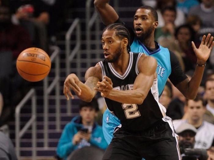 NBA - San Antonio corsara a Charlotte, Houston cede in casa a Toronto