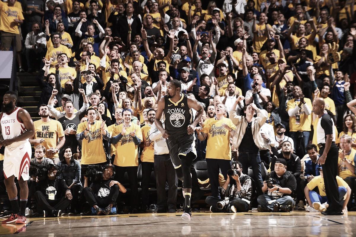 NBA playoffs, Warriors a un bivio in gara-5 a Houston