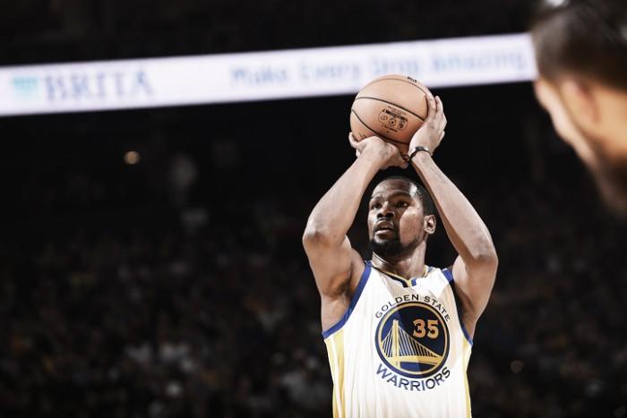 Nba, Durant e Golden State travolgono i Thunder (122-96)