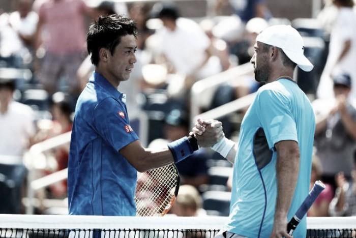 Kei Nishikori perde set, mas bate alemão Benjamin Becker e segue vivo em Nova York
