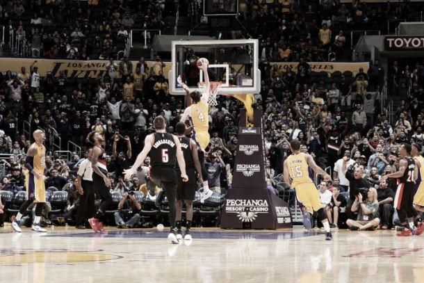 Nba preseason, i Lakers ringraziano Ryan Kelly. Houston si rialza con Harden