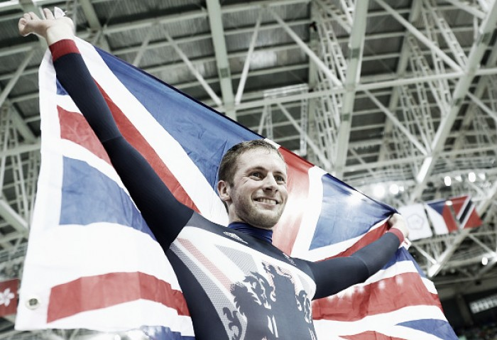 Rio 2016: Jason Kenny defends Olympic title in Men's Sprint