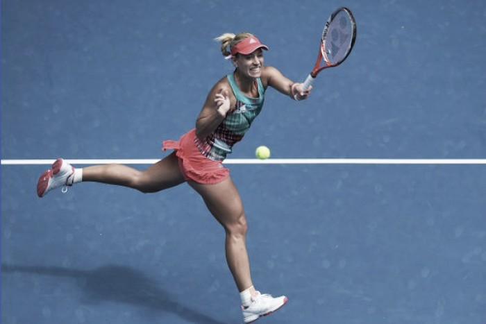 Australian Open 2016: Angelique Kerber sets up revenge showdown with Victoria Azarenka