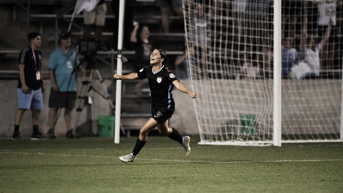 Sam Kerr's late goal lift the Chicago Red Stars over the Seattle Reign FC 1-0