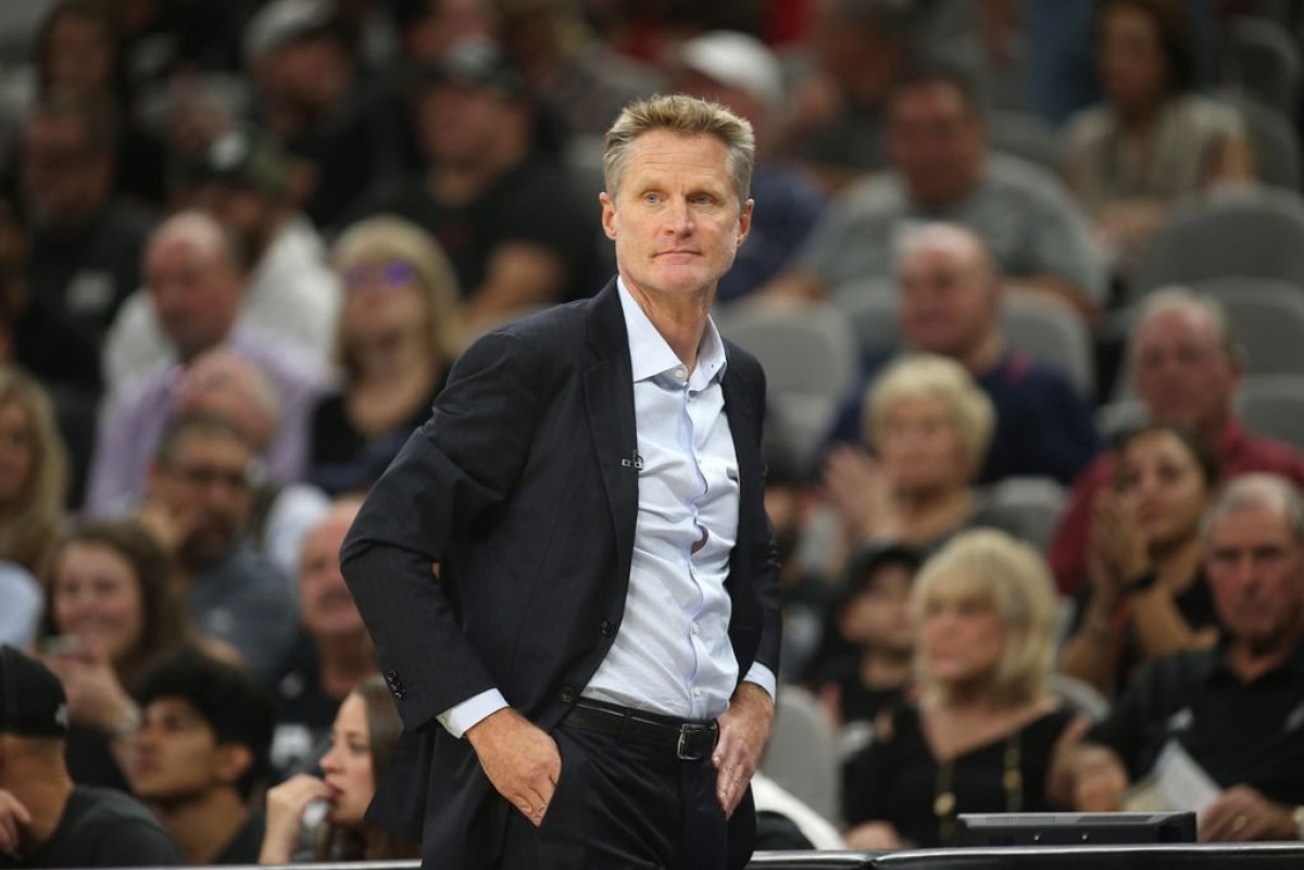 "NBA Playoffs - Golden State travolta a Houston, Kerr: ""Dobbiamo dare loro i giusti meriti"""