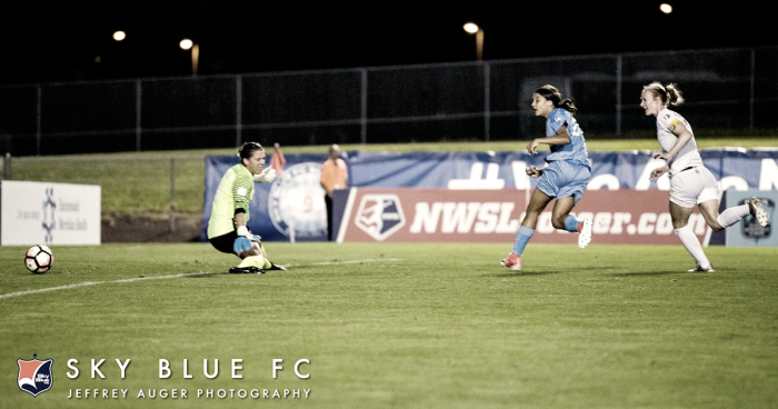 Sam Kerr becomes all-time leading goal scorer with a hat trick against FC Kansas City