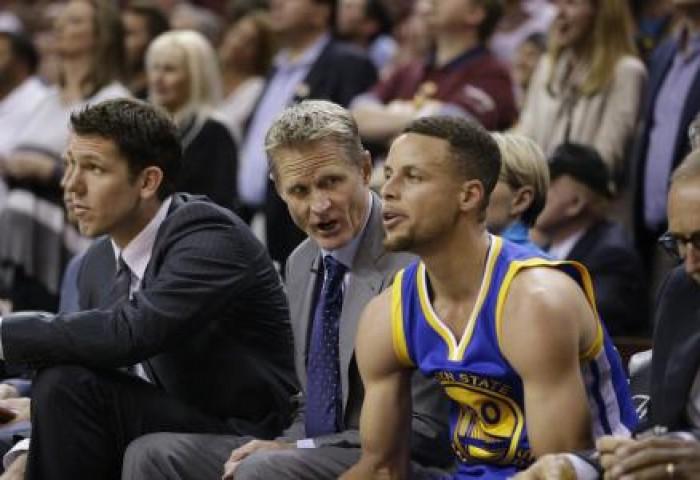 NBA, le difficoltà degli 'Splash Brothers' e percentuali in calo: che succede ai Warriors?