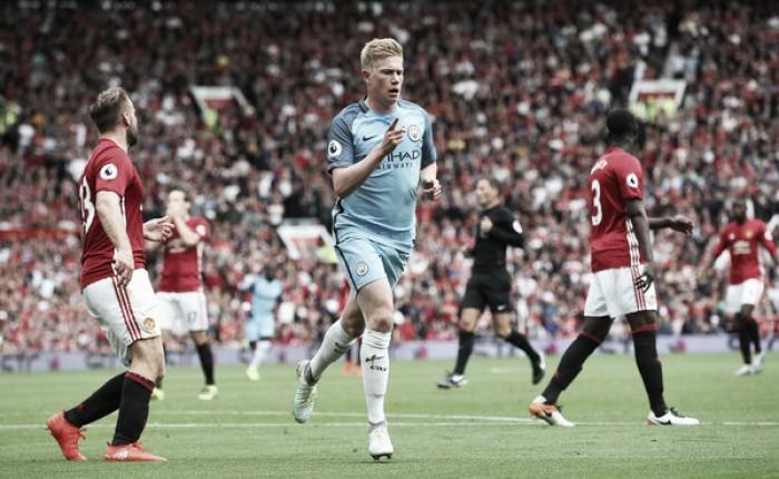 Bravo falha, mas City bate United em jogo eletrizante e segue na liderança da Premier League