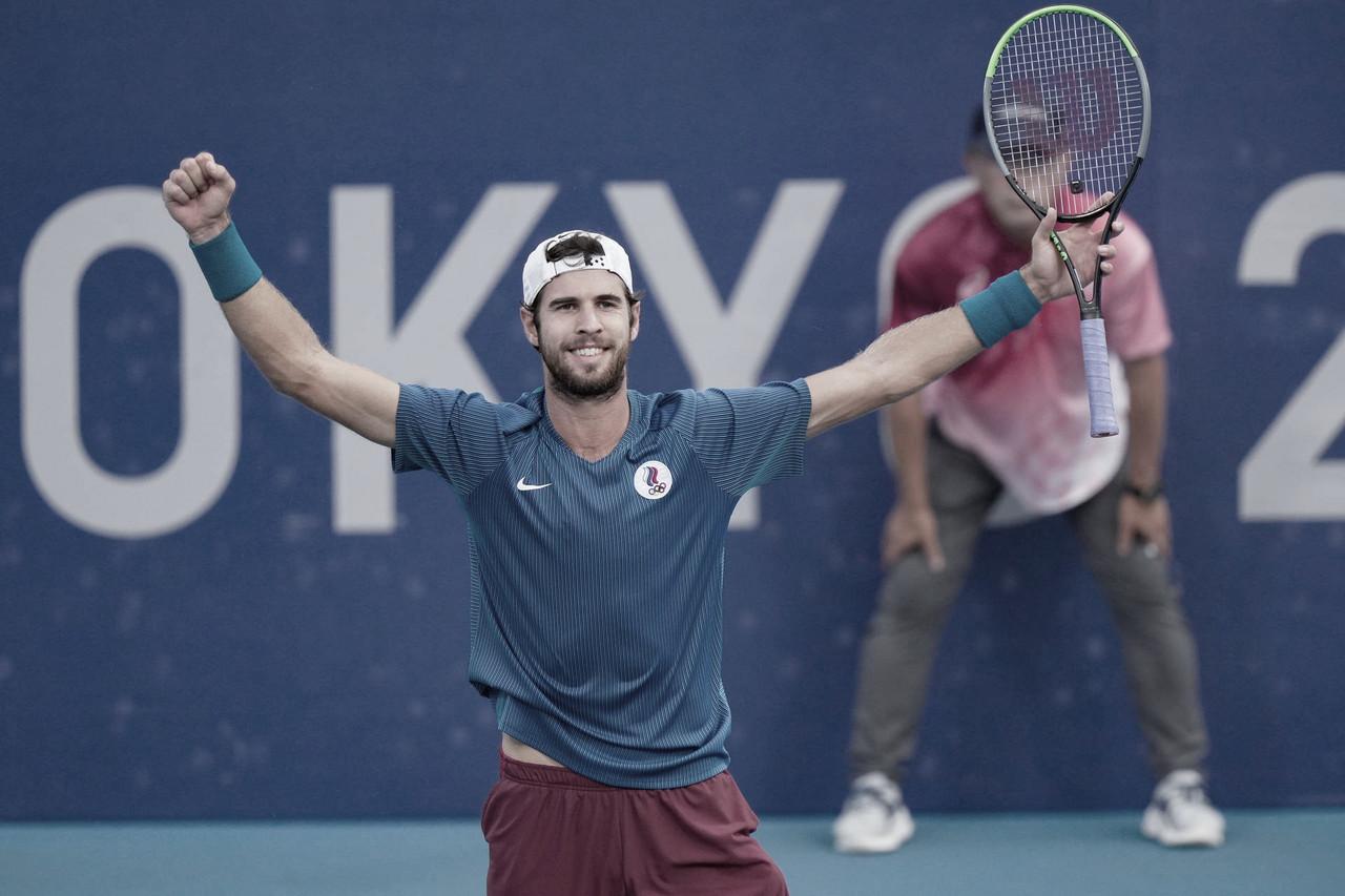 Khachanov supera jogo equilibrado contra Humbert e vai às semis em Tóquio