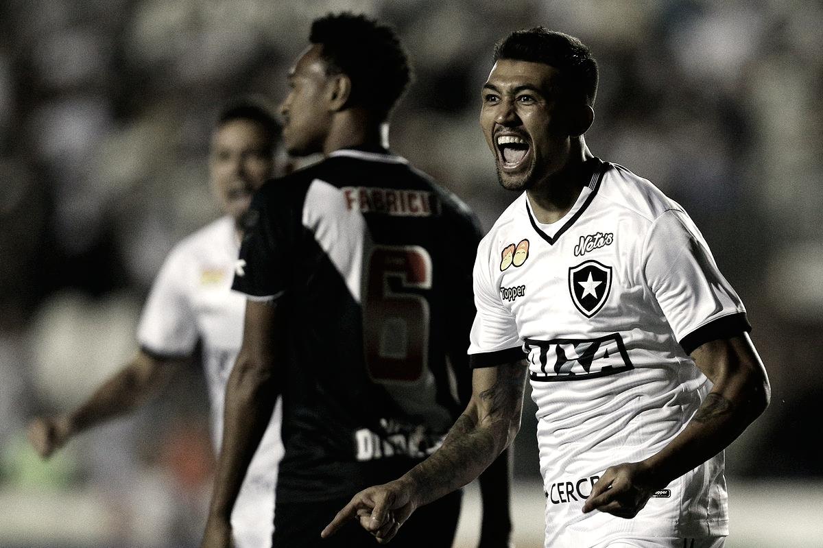 Botafogo vence o Vasco em São Januário pelo Campeonato Brasileiro (1-2)