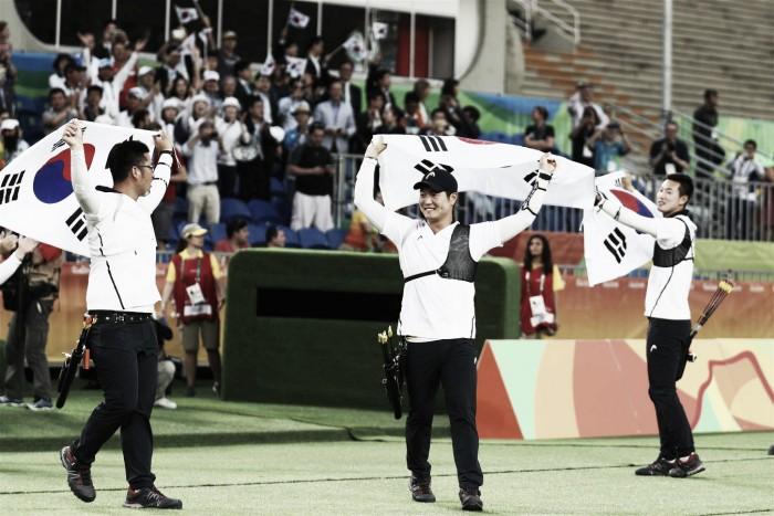 Após medalha de ouro por equipes, sul-coreano Kim Woojin é eliminado no tiro com arco