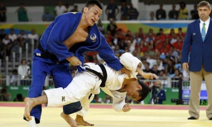 Judô: Felipe Kitadai perde para Urozboev e se despede dos Jogos Olímpicos