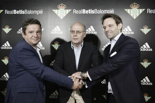 El Real Betis y Adidas llegan a un acuerdo para las próximas seis temporadas