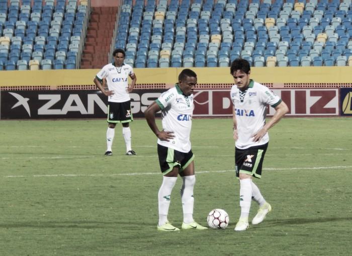 """Em jogo polêmico, Rafael Lima reclama de árbitro: """"Totalmente despreparado"""""""