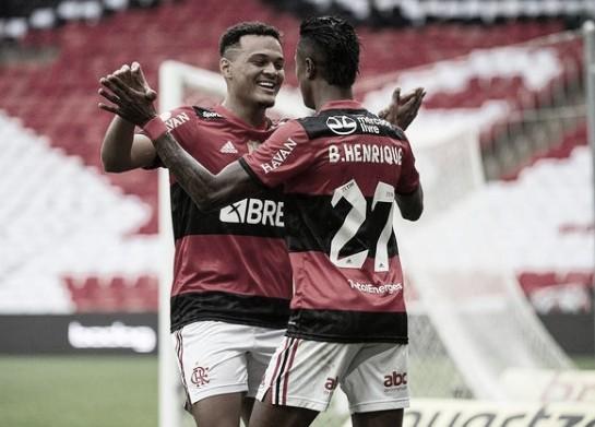 Flamengo controla o jogo, aproveita falhas do América e vence no Maracanã