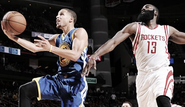 Troppo Curry per Houston e Warriors imbattuti