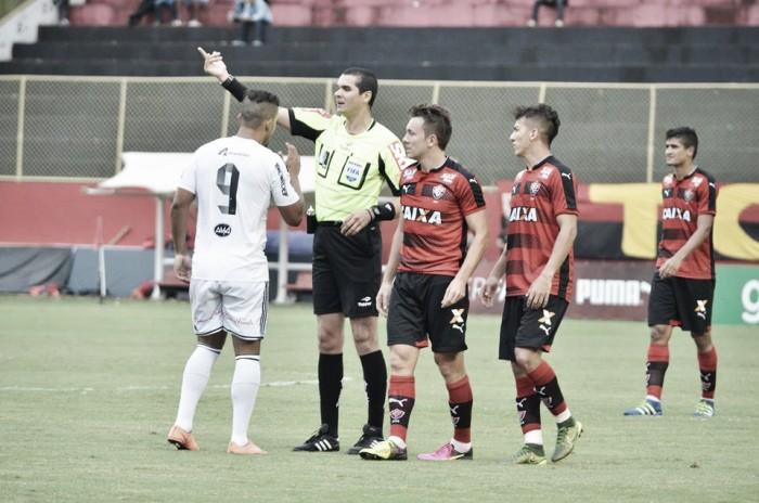 """Mancini condena arbitragem no empate com a Ponte: """"Errou e nos tirou uma ajuda na tabela"""""""