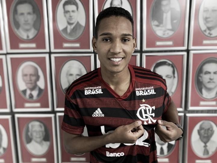Flamengo concretiza negociação com lateral-direito João Lucas, destaque do Bangu no Carioca