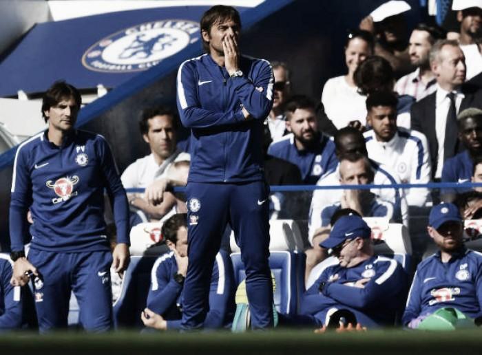 Campeão Chelsea inicia defesa do título com derrota em casa
