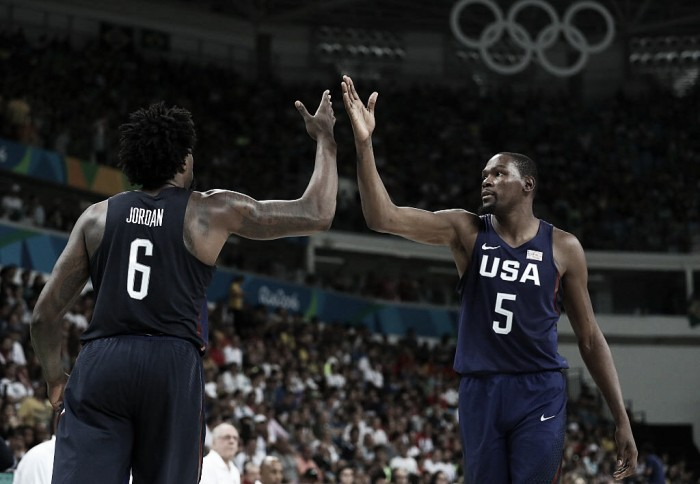 Estados Unidos vence Espanha e garante vaga na final do basquete masculino pela terceira Olimpíada seguida