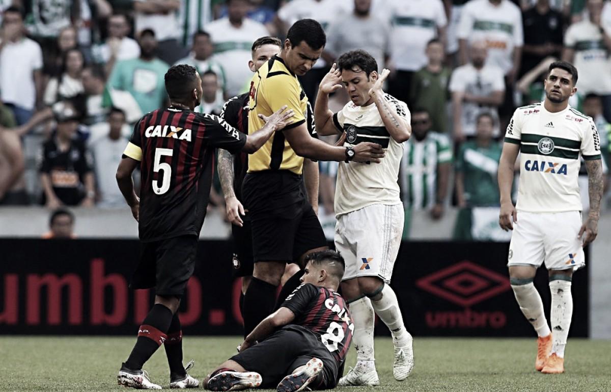 Salários emperram ida de Kléber Gladiador para o Fluminense