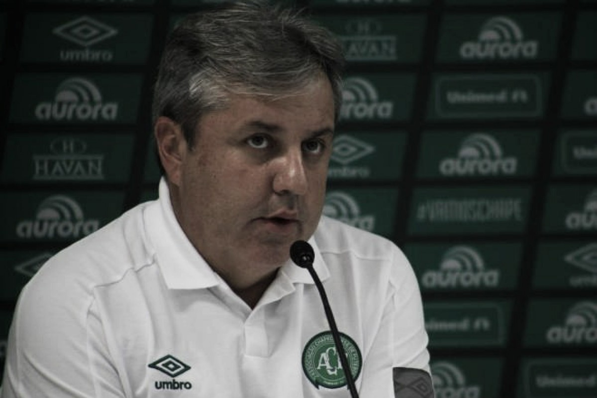 """Kleina espera que Chape supere derrota na final e quer foco no Brasileiro: """"Conviver com a dor"""""""