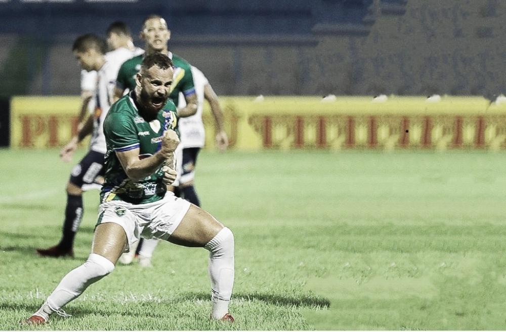 """Após título estadual, Klenisson crê em Altos-PI embalado para estreia na Série C do Brasileiro: """"Somos uma equipe muito aguerrida"""""""