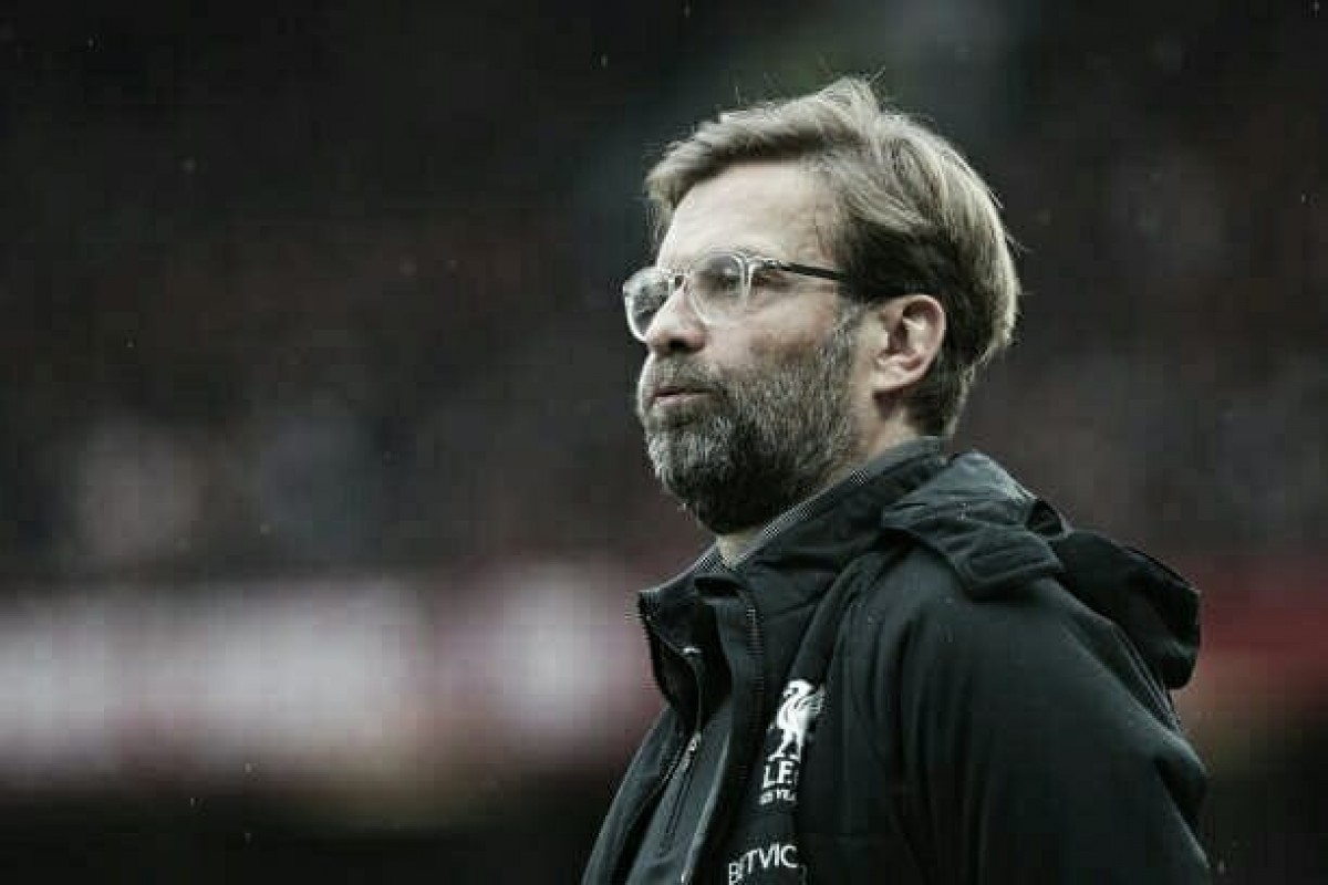 """Klopp lamenta erros em derrota do Liverpool no clássico: """"Temos que defender melhor"""""""