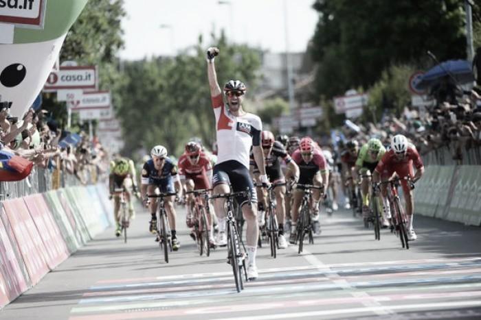 Giro d'Italia, altra vittoria tedesca con Kluge. Da domani le Alpi piemontesi