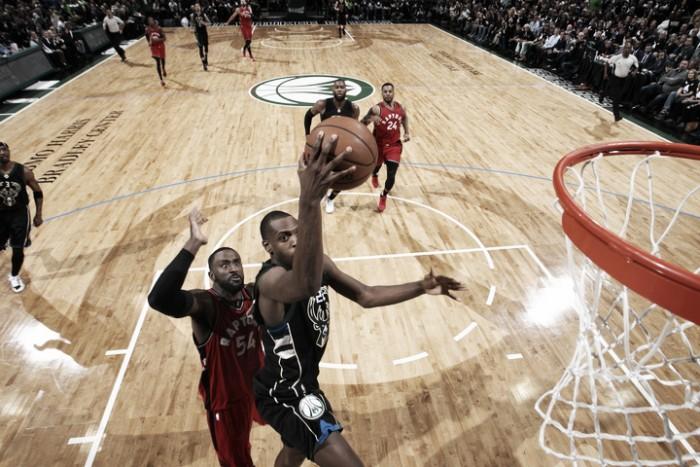 NBA - Bucks travolgenti, notte segnata per Toronto a -27
