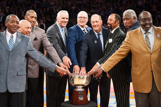 Com a presença dos campeões de 1973, Knicks vence Bucks
