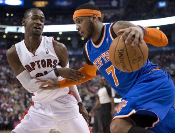 I Knicks rincorrono l'ultimo biglietto per i playoffs e travolgono i Raptors