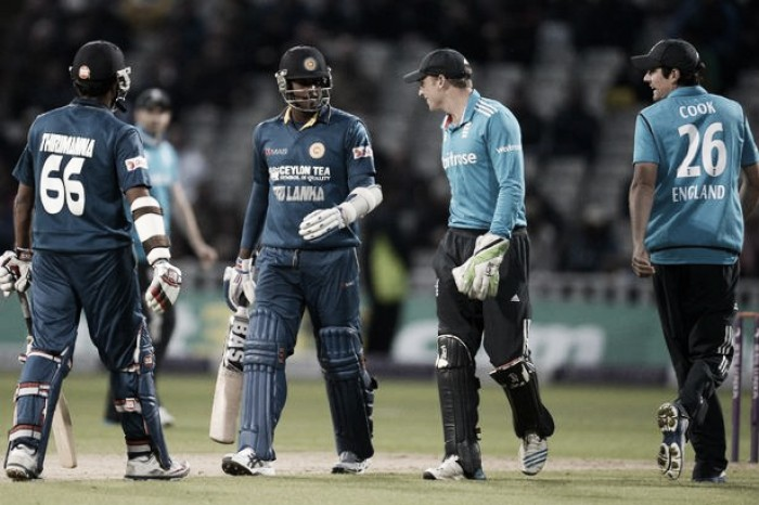 England over the line and into World T20 semi's