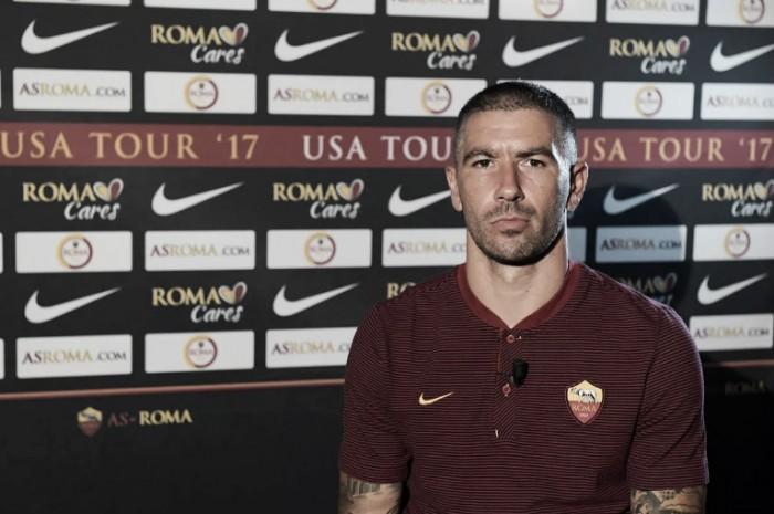 Roma anuncia Kolarov, que dá adeus ao City após sete anos