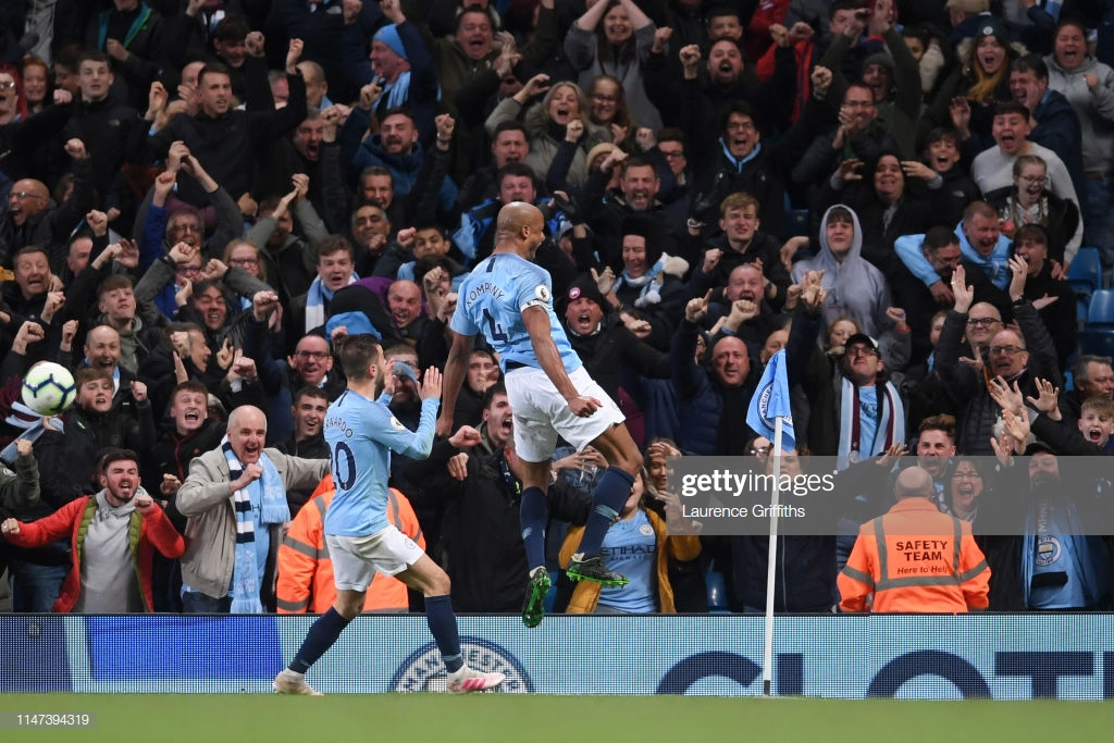 Manchester City 1-0 Leicester City: Stunning Kompany strike sees City back to the top in nervy affair
