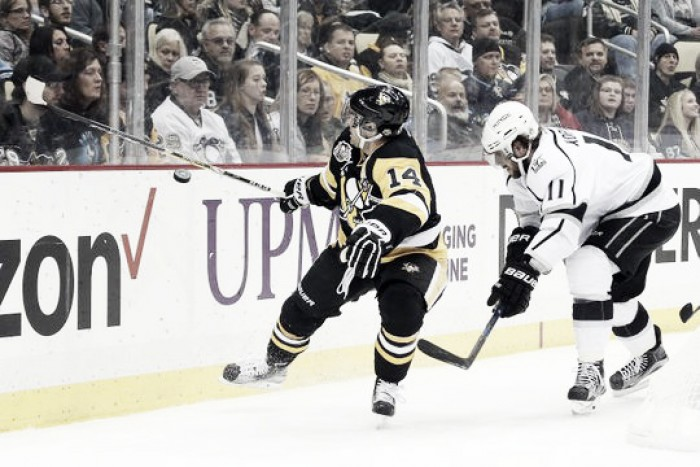 Los Angeles Kings get second straight after beating Pittsburgh Penguins in overtime