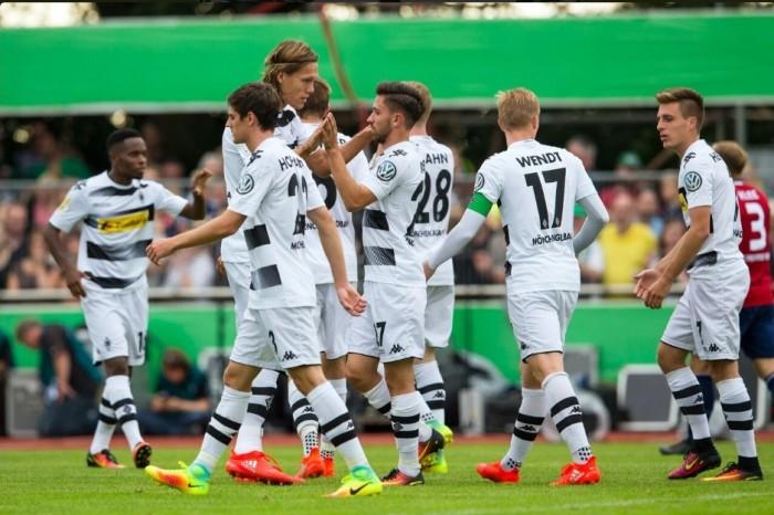 Pouco inspirado, Gladbach vence e avança na Copa da Alemanha